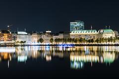 Hamburg/Alster (Andy van Dyk) Tags: andyvandyk hamburg nacht alster spiegelung baum bäume