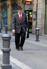 barcelona (gerben more) Tags: barcelona man oldman streetscene streetlife street spain