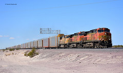 BNSF 4199 (  GE C44-9W  ) (vsoe) Tags: züge güterzug güterzugstrecke transcon eisenbahn train railway railroad freighttrain ge engine diesel bnsf california kalifornien usa amerika america mojave desert wüste