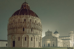 Piazza dei Miracoli con la pioggia (danilocolombo69) Tags: pisa piazzadeimiracoli pioggia sera danilocolombo69 danilocolombo nikonclubit