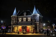 Cafeteria (JoseQ.) Tags: casa castillo noche amsterdam colores luces barriorojo canales cafeteria