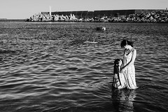 Mother and Daughter (Jay Hsu - Chen Chieh) Tags: motheranddaughter love cute blackandwhite bw bnw portrait awesome 黑白 sea ocean family outdoor smile happiness grace happy moment magichour
