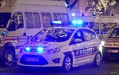 Police Paris - TV CSI 75 (Arthur Lombard) Tags: police policedepartment policecar policestation policenationale sdss dspap paris ford fordcmax lightbar bluelight emergency night 911 999 112 17 nikon nikond7200