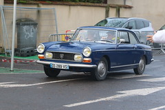 Peugeot 404 coupé (CHRISTOPHE CHAMPAGNE) Tags: 2018 france epernay marne champagne habits lumiere peugeot 404 coupé