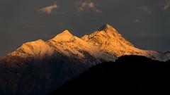 Sunset on the mountains (Dzoyiro) Tags: valledaosta valléedaoste aostavalley alps alpi alpes sunset tramonto couchesoleil nus montagnes montagne mountains pentax ks2 sigma18300