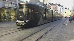 Linz Bombardier Cityrunner II (garethtrooper) Tags: linz tram strassenbahn bombardiercityrunner