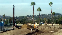 (Rich T. Par) Tags: pomona phillipsranch socal southerncalifornia losangelescounty lacounty constructionsite california palmtrees tree road suburb dirt civilengineering tubes heavyequipment pipes sky backhoe backhoeloader loaderbackhoe digger drill drillingmachine drillingtruck