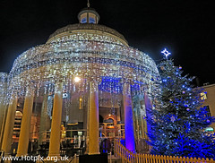 2-365-136 Bridgwater Corn Exchange Marketplace and Christmas Tree (HotpixUK-2019) Tags: housingitguy project365 2nd365 hotpixuk365 tonesmith gotonysmith 365 2365oneaday tonysmith hotpix bridgwater somerset southwest england towncentre town prezzo market place marketplace xmas bridgwateratchristmas christmas tree christmastree light lights