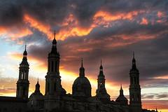 Basílica del Pilar, Zaragoza (marisabosqued) Tags: basílica elpilar puestadesol sunset zaragoza aragón españa spain tamronaf2875mm snapseed edificio building