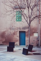 La porte bleue (dono heneman) Tags: porte door bleue bleu blue architecture urbain urban urbaine batiment building village town fenêtre window vert green végétal vegetal végétation arbre tree rue street chaise chair gouttière gutter pezillalarivière pyrénéesorientales languedocroussillon occitanie france pentax pentaxart pentaxk3