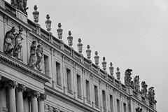 Façade (Chrisar) Tags: chateau versailles façade nikond750 dxophotolab nb bw angénieux70210 grain noise