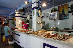 Tarifa (Marc ALMECIJA) Tags: tarifa espagne andalousie sony rx10m3 intérieur mercado marché poisson poissonnerie