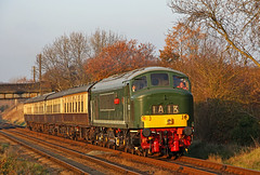 D123 Leicestershire and Derbyshire Yeomanry (gareth46233) Tags: d123 45125 class 45 peak leicestershire derbyshire yeomanry gcr great central railway woodthorpe golden hour green