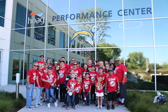2018_T4T_LA Chargers STS 48 (TAPSOrg) Tags: taps tragedyassistanceprogramforsurvivors teams4taps ca california la lachargers 2018 nfl practice salutetoservice military outdoor horizontal redshirt group posed