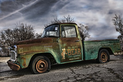 The Bear!    ...HTT! (jackalope22) Tags: htt trucks the bear emlem truck thursdaytextures rust