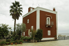 Puglia 2016-42 (walter5390) Tags: puglia apulia italia italy south sud meridione meridionale savelletri anema e core ristorante restaurant red house casa rossa architettura architecture