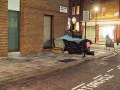 Fitzroy Place, Riding House Street. 20181105T16-52-37Z (fitzrovialitter) Tags: england fitzrovia gbr geo:lat=5151938000 geo:lon=013898000 geotagged unitedkingdom westendward peterfoster fitzrovialitter city camden westminster streets urban street environment london streetphotography documentary authenticstreet reportage photojournalism editorial daybyday journal diary captureone olympusem1markii mzuiko 1240mmpro microfourthirds mft m43 μ43 μft ultragpslogger geosetter exiftool homeless vagrant tent pavement rubbish litter dumping flytipping trash garbage