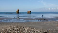 Les demoiselles de la mine d'or (Corinne Queme) Tags: plage minedor pénestin morbihan paysage rochers demoiselles silhouette bretagne