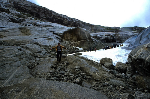 "Norwegen 1998 (231) Nigardsbreen • <a style=""font-size:0.8em;"" href=""http://www.flickr.com/photos/69570948@N04/45830260311/"" target=""_blank"">View on Flickr</a>"