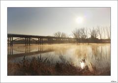 Aquel día de invierno (V- strom) Tags: landscape paisajes puente bridge neblina fog agua water sol sun cielo sky árbol tree reflejos reflection texturas textures luz light invierno winter nikon nikon2470 nikond700 vstrom