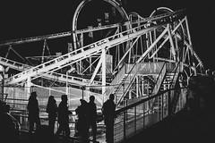 Nachterbahn (Zesk MF) Tags: bw black white mono zesk street x100f fuji fair cologne strase people nachts night