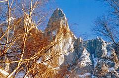 Souvenir du pilier Bonatti (Yvan LEMEUR) Tags: lesdrus pilierbonatti alpinisme alpes granite hautesavoie hautemontagne chamonix montblanc massifdumontblanc aiguilleverte france montagne mountain neige paroisdegranite extérieur