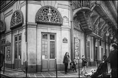 Rue de Montpellier * Paris (sistereden2) Tags: leicaq