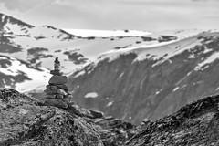 Steinmännchen // Cairns (Zoom58.9) Tags: rocks stones mountain cairns nature landscape guideposts europe scandinavia norway canon eos 50d