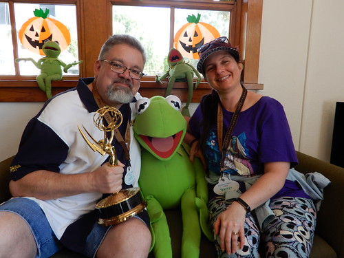 "Tracey, Scott and Kermit with an Emmy • <a style=""font-size:0.8em;"" href=""http://www.flickr.com/photos/28558260@N04/31932426538/"" target=""_blank"">View on Flickr</a>"