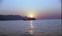 Αρκίτσα. (Greece, Arkitsa) (Giannis Giannakitsas) Tags: greece grece griechenland αρκιτσα arkitsa sunset canon eos 650 slr 35 mm film camera