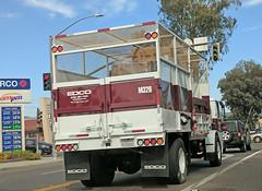 Edco Truck 10-22-18 (3) (Photo Nut 2011) Tags: garbage sanitation wastedisposal truck garbagetruck california trashtruck junk trash waste refuse sandiego edco ramona m326