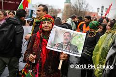 Demonstration: Der Wunsch nach Freiheit lässt sich nicht verbieten! – 01.12.2018 – Berlin - IMG_9810 (PM Cheung) Tags: 25jahrepkkverbot ypg kurden polizei polizeigesetze berlin derwunschnachfreiheitlässtsichnichtverbieten derwunschnachfreiheitlässtsichnichtverbietengemeinsamgegenpolizeigesetze pkkverbotundnationalismus bundesweitedemonstration interventionistischelinke kurdistan rojava türkei 01122018 demonstration demo pag polizeiaufgabengesetz kurdendemonstration pmcheung protest repression überwachung bundesinnenministerhorstseehofer kundgebung 2018 protestfotografie pomengcheung mengcheungpo auftaktkundgebung wwwpmcheungcom aufhebungpkkverbot afd facebookcompmcheungphotography polizeistaat arbeiterparteikurdistans protestveranstaltung rotehilfeev partiyakarkerênkurdistanê ernk bundesinnenministerrudolfseiters auseinandersetzungen rangeleien diepkkgehörtzudeutschland serihilde