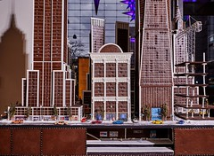 cake artist beatriz muller crafts gingerbread replica of the new york city skyline (alsfakia) Tags: wisdom by alexandros g sfakianakis anapafseos 5 agios nikolaos 72100 crete greece 00302841026182 00306932607174 alsfakiagmailcom