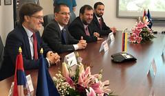 Venezuela y Serbia establecen alianzas tecnológicas para garantizar la protección del pueblo venezolano (Cancilleria VE) Tags: endefensadelapatria handsoffvenezuelatrump 17marz serbiayvenezuelapuebloshermanos serbiayvenezuelarelacionesbilaterales venezuelayserbiarelacionesbilaterales venezuelayserbiapuebloshermanos últimominuto venezuelamarchadelavictoriapopularcontraelgolpeelectrico diplomaciabolivarianadepaz revolucionbolivariana diplomaciabolivariana venezuela venezuela chavista revolucionaria chavezvive juntostodoesposible poderpopular peoplespower juntxstodoesposible bolivariana bolivarian politica venezuelafirmaporlapaz noalainjerenciasialapaz yofirmoporlapazdevenezuela noalaguerrasialdiálogo sontiemposdechávez handsoffvenezuela hugochávez 6añosdeamorylealtad pueblosdelmundohermanosapoyanavenezuela chávezvive chávezviveprohibidoolvidar madurorecibegranmovilizacionporladignidadyendefensadelarevolucion paz onu noalgolpeenvenezuel venezuelamarcapais unioncivicomilitar idealesbolívarychavez venezuelaharemosrespetarnuestrosuelosagrado presidentenicolasmaduro onuvenezuelacancillerjorgearreaza movimientossocialesconvenezuela venezuelaproduceenpaz venezuelapetroparaelmundo elpetro venezuelapresidentenicolasmaduro venezuelaantiimperialista presidentemaduro eeuu diálogo yankeegohome gringogohome golpedeestado noalainjerencia ni1000donaldtrumplevanaquitarelpetroleoavenezuela somosantiimperialistas serbiavisitaoficialcancillerjorgearreazavenezuela venezuelayserbiaapoyotecnologico consolidandolavictoria gmvvjuntosporlapaz serbia planvueltaalapatriaactivo