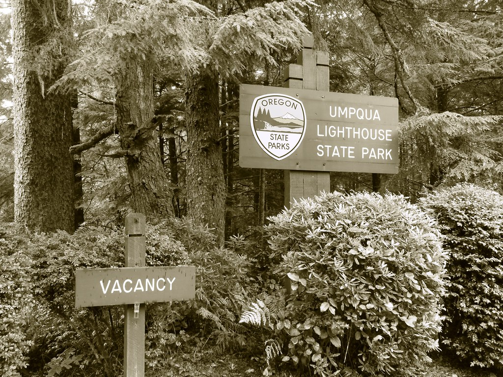 Vacancy at the Umpqua Lighthouse State Park near Winchester Bay, Oregon, USA
