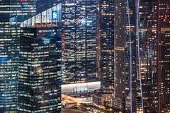 Singapore - financial symbiosis (Rafael Zenon Wagner) Tags: glass fassade hochhaus singapur technisch architektur nikon d810 facade skyscraper singapore technical architecture nacht night lichter lights spiegelung reflection