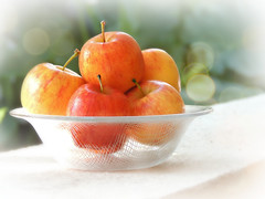 an apple a day (Ani Carrington) Tags: apples fruit stillife stilllife textured bowl glass light