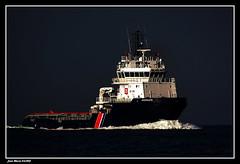 Rencontre dans le Goulet de BREST..... (faurejm29) Tags: faurejm29 canon sea seascape mer ba