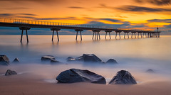 Pont del petroli (Masaco 76) Tags: naturaleza nature ngc natur nikon national paisaje mar nubes amarillo puente badalona ambiente atmosfera filtros benro manfrotto nd larga exposición color
