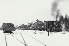 Markaryd 1900ca, flera tåg (Michael Erhardsson) Tags: foto historia järnväg markaryd vinter snö småland tåg