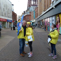 20181114 Pudsey in Blackpool (blackpoolbeach) Tags: blackpool plodforpudsey bbc bankheystreet dianneoxberry stuartflinders charity walk collection pudsey