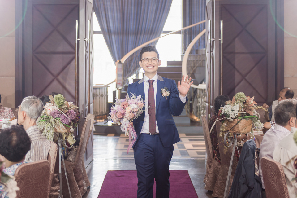 台南東東宴會式場 婚宴 走在幸福的紅毯上 R & B 107