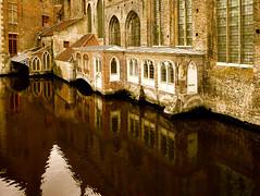 reflets magiques (buch.daniele) Tags: buch bruges reflets eglise church danielebuch