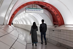 London 2018 (XBeauPhoto) Tags: citylife citypeople urban streetphotography streetphoto streetlife london londonstreet londonunderground tunnel arch tiling commuters tube