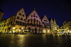 Frankfurt0536 (schulzharri) Tags: frankfurt deutschland europa nacht city night stadt lichter farben colours light building travel europe germany hessen gebäude architektur himmel fenster foto
