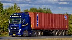 AH79529 (16.10.04)DSC_8077_Balancer (Lav Ulv) Tags: 218394 volvo volvofh fh4 guldagertransport guldager henrikguldager 2013 e5 euro5 6x2 container cronos afmeldt2018 retiredin2018 abgemeldet2018 blue fh500 firstclass truck truckphoto truckspotter traffic trafik verkehr cabover street road strasse vej commercialvehicles erhvervskøretøjer danmark denmark dänemark danishhauliers danskefirmaer danskevognmænd vehicle køretøj aarhus lkw lastbil lastvogn camion vehicule coe danemark danimarca lorry autocarra danoise vrachtwagen trækker hauler zugmaschine tractorunit tractor artic articulated semi sattelzug auflieger trailer sattelschlepper vogntog oplegger sættevogn motorway autobahn motorvej vibyj highway hiway autostrada