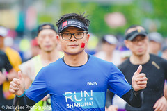 LD4_0698 (晴雨初霽) Tags: shanghai marathon race run sports photography photo nikon d4s dslr camera lens people china weekend november 2018 thousands city downtown town road street daytime rain staff