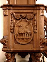 Vlierbeek, Kessel-Lo, Leuven, abdij, pulpit, detail (groenling) Tags: vlierbeek kessello leuven belgië belgium vlaanderen flanders be abbey abdij pulpit preekstoel wood carving woodcarving hout snijwerk houtsnijwerk lamb lam seal zegel