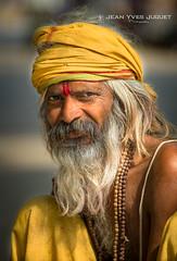 Sâdhu à Allahabad (Inde) - Sadhu in Allahabad (India) ( Jean-Yves JUGUET ) Tags: rajasthan inde india jaisalmer jodhpur jojawar rohet luni udaïpur pushkar jaïpur hindou hindu rajuri hindi asie asia canon indian thardesert jeanyvesjuguet turban kalbelia kabeliya bhopa raibaris bishnoïs camelfairpushkar gypsy allahabad