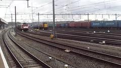 (996) DB ( Ex-Railion) 6461 with Flatcars + Brandnew RET Metro Train at Venlo,the Netherlands , April 27,2016 (Treinemanke) Tags: transfer run brandnew ret metro train db railion 6461 venlo the netherlands april 27 2016 freighttrain flatcars item 996